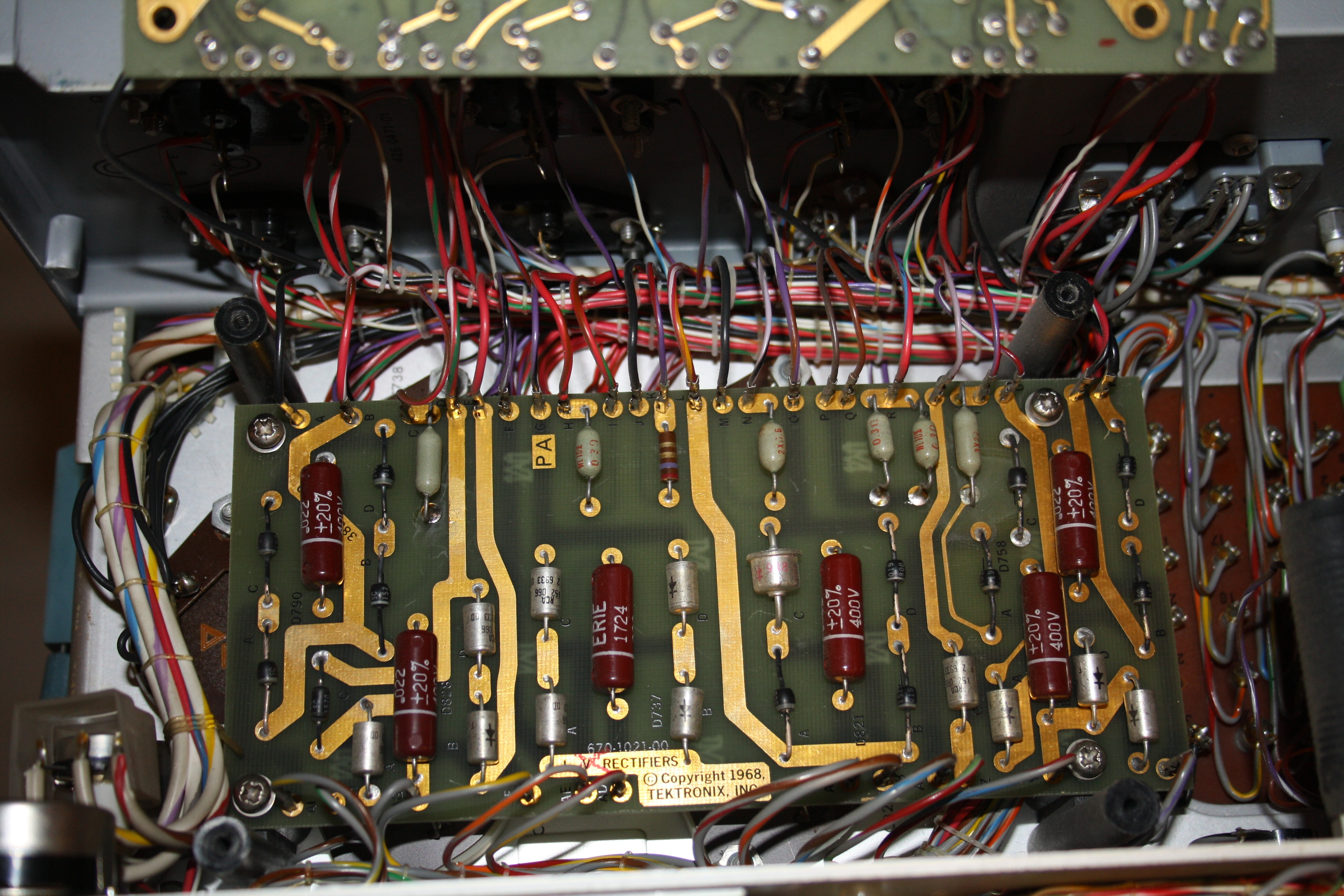 The Big Tektronix 576 Curve Tracer Page Diode Tester Circuit Rectifier Board C759 Is Underneath All Diodes Give In 680mv With My Esr Look At That Gold It Must Have Been Cheap 1986